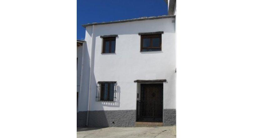 C0457 - Village property in Mecina Bombaron