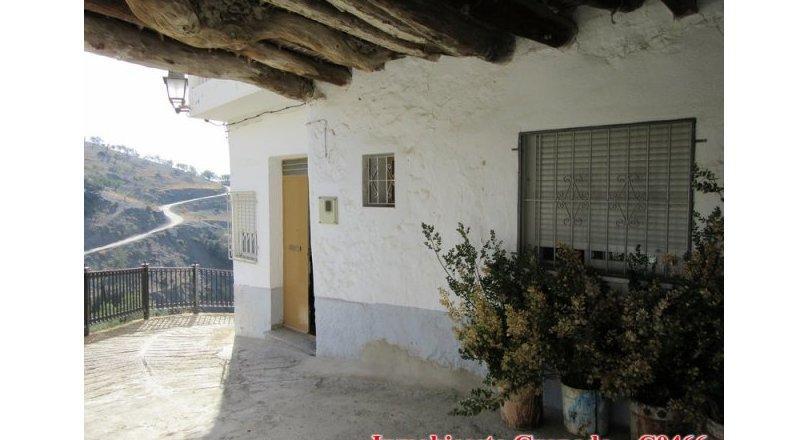 C0466 - Village house in Albondón