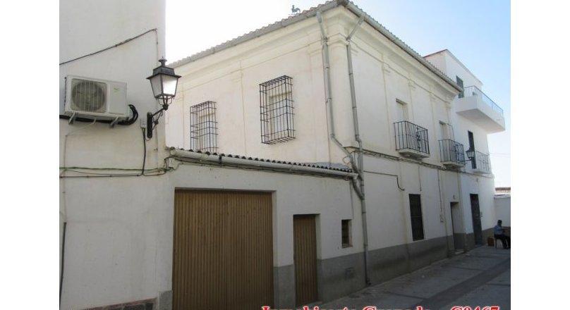 C0467 - Large Village property in Albondón