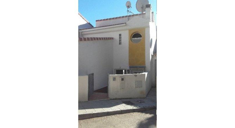 C0474 - Townhouse with swimming pool in Albuñol