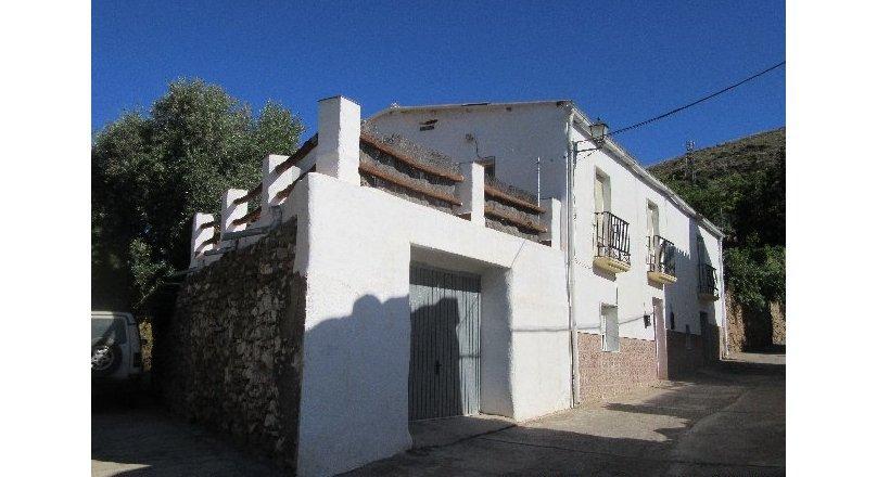 C0484 - Village family home, Turon