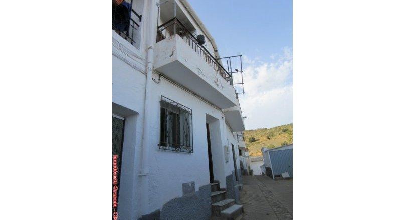 C0485 - Village house in Albondón