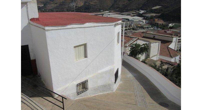 C0486 - Village house in Albuñol