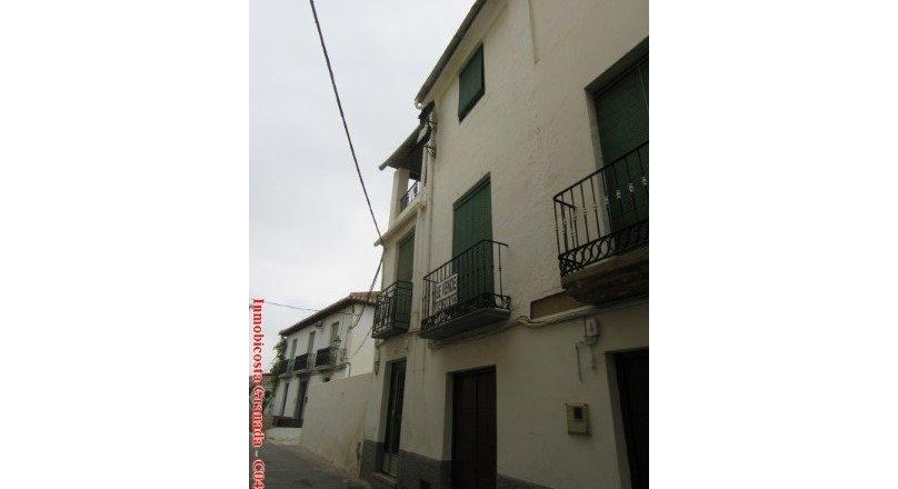 C0487 - Large village house in Albuñol