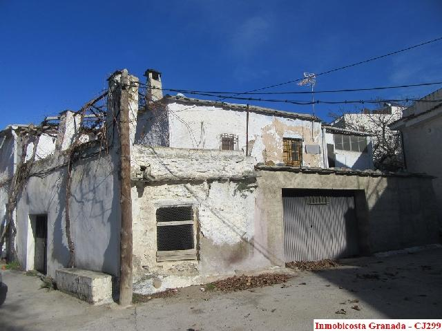 C0299 - Large village house in Cadiar