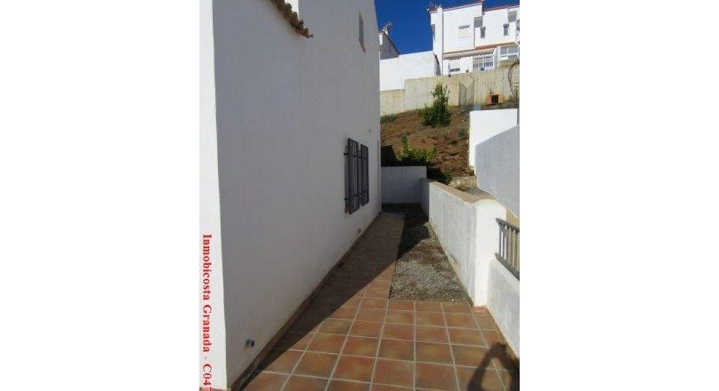 C0477 - Townhouse with swimming pool in Albondón