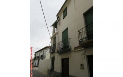 C0487 - Large village house in Albuñol