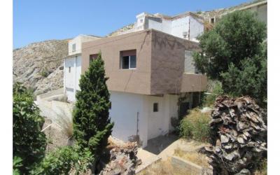 C0447 - House near the coast